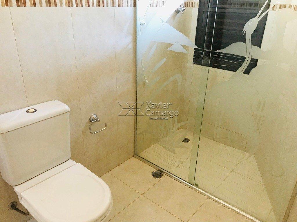 Banheiro 1ª Suíte (Vista I)