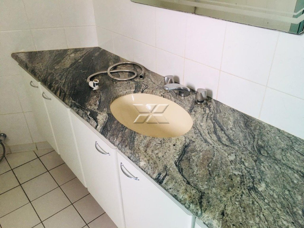 Banheiro suíte - vista II